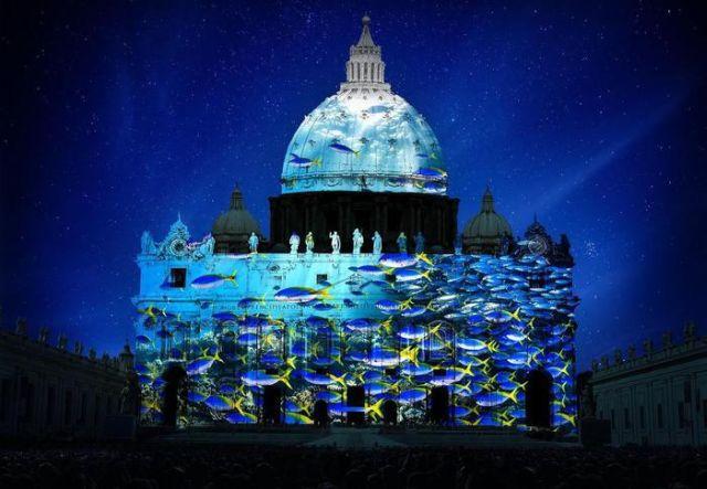 Giubileo, Fiat Lux: L'installazione visiva proiettata sulla facciata di San Pietro